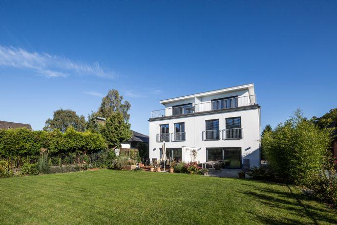 Niendorf . Neubau . König Heinrich Weg / Tibarg . Exklusives Stadthaus mit Dachterrasse in Toplage