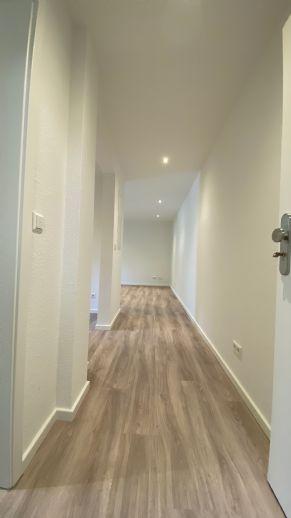 Wunderschöne vollmöblierte kernsanierte 1 Zimmer Wohnung