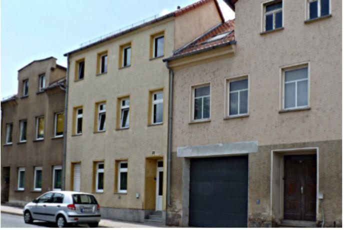 Frisch renovierte 2 Zimmer Wohnung + Küchenzeile mit Ofen und Waschmaschine + Garten und hellen Räumen