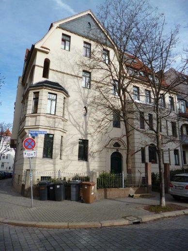 Rudolf-Haym-Str./individuelle 2 Zimmer Whg. mit Balkon, Parkett, DU zu vermieten!