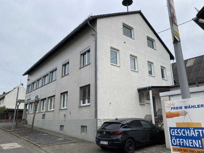 6 Zimmer Wohnung in Singhofen