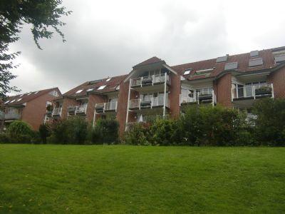 Helle und grosszügige  2,5 Zimmer Wohnung mit Aufzug,Einbauküche und TG in Düsseldorf  Mörsenbroich !