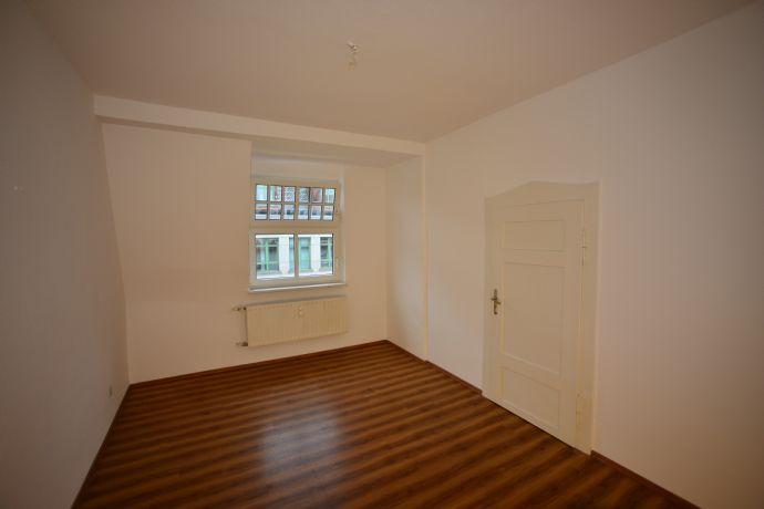 Im Herzen von Fürth: sanierte 5 Zimmerwohnung nahe der neuen Mitte, 3 Gehminuten zum Stadtpark