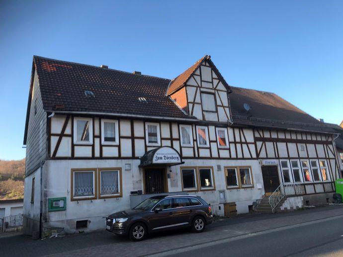 Dörnberg: Schönes Fachwerkhaus mit großem Gründstück zu verkaufen (Gastronomie, Hotel), Nahe Kassel
