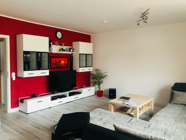 Schöner Bungalow (DHH) in ruhiger Lage - 4 Zimmer in Stade-Wiepenkathen mit Carport und Garage