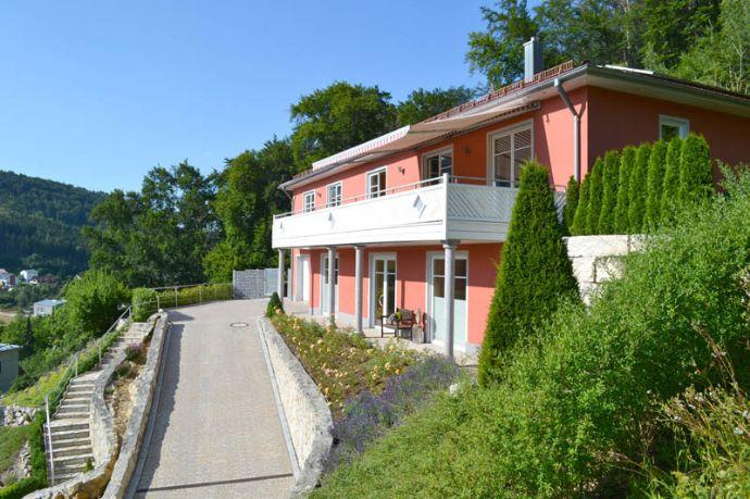Traumhafte Lage: exklusives Haus mit Praxis in Riedenburg