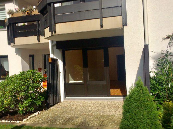 Schöne,sehr gepflegte Erdgeschoss -Wohnung mit Terrasse in zentrumsnaher Lage
