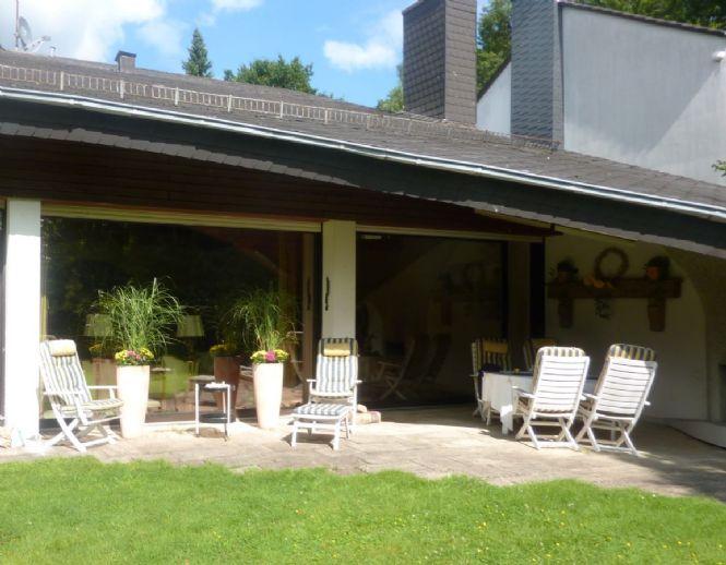 Provisionsfrei ! Großzügiges, freistehendes Galerie / Atelier Einfamilienhaus in der oberen Südstadt von Wuppertal - Elberfeld - Nähe Universität.