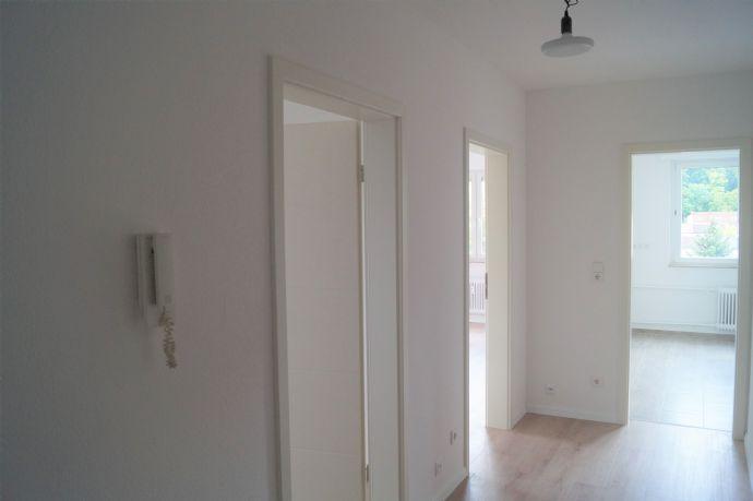 Frisch renoviert 2-Zimmer-Wohnung mit Balkon in der 6. Etage!