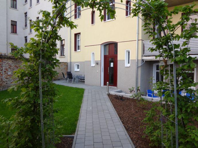 Super DG-Apartment mit EBK in KFW- Effizientshaus mit Garten, Wohnungslüftungsanlage m. Wärmerückgewinnung, auf Wunsch vollmöbliert