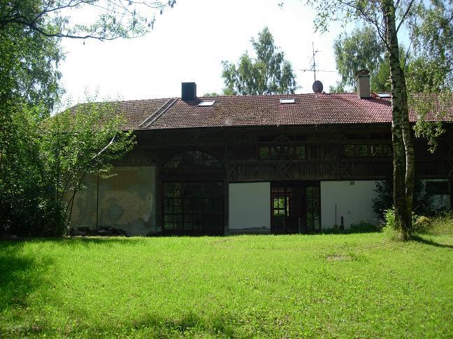 Außergewöhnliche Wohnimmobilie in einem denkmalgeschützen Bundwerkstadl nördlich von Wasserburg/Inn