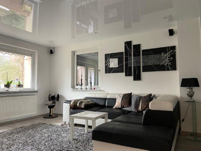 3-Zimmer Erdgeschosswohnung mit Garage, Hochwertig Saniert im Herzen von Blumental