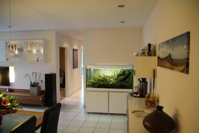Maisonette-Wohnung - 3,5 Räume mit 2 Balkonen in ruhiger Lage in Laufnähe zum Badesee.