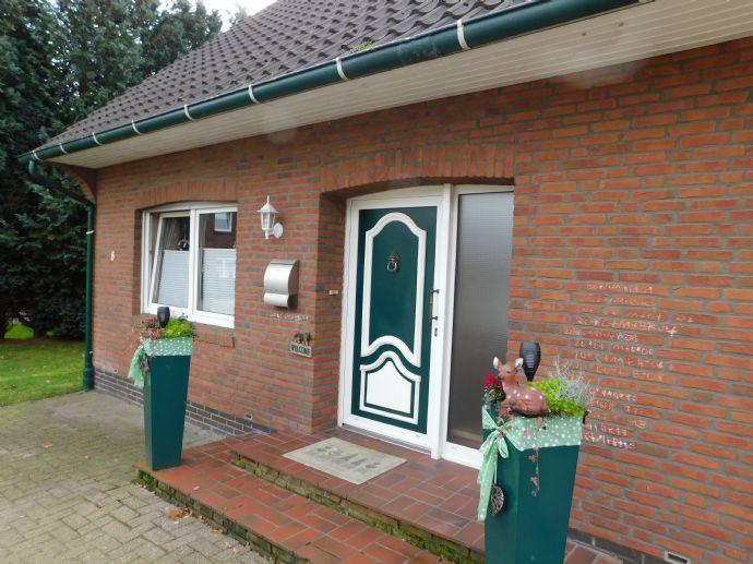 EFH mit Garage und Blockhaus in Friesoythe- Kamperfehn