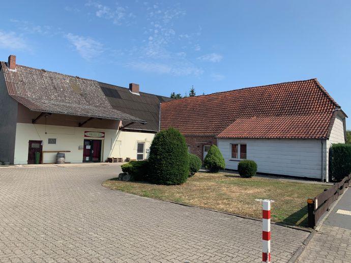 Individuelles 1-2-Familienhaus mit Garten,großem Hof,Stellplätzen,riesiger Scheune und Gewerbe