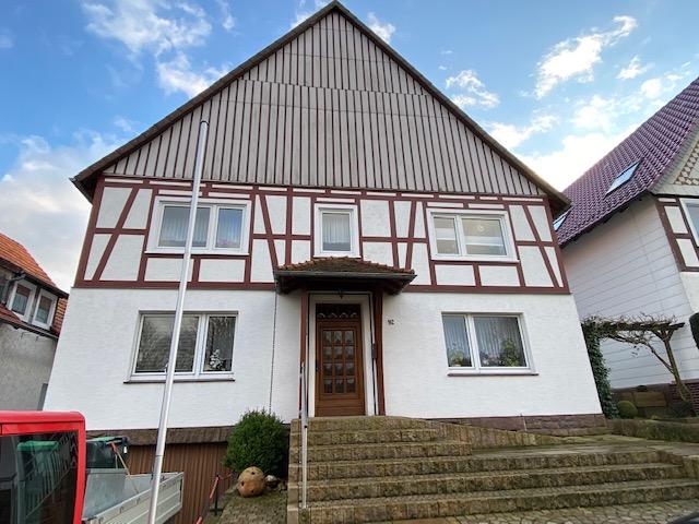 Freistehendes, großzügiges Haus mit Photovoltaikanlage in Trendelburg-Langenthal!