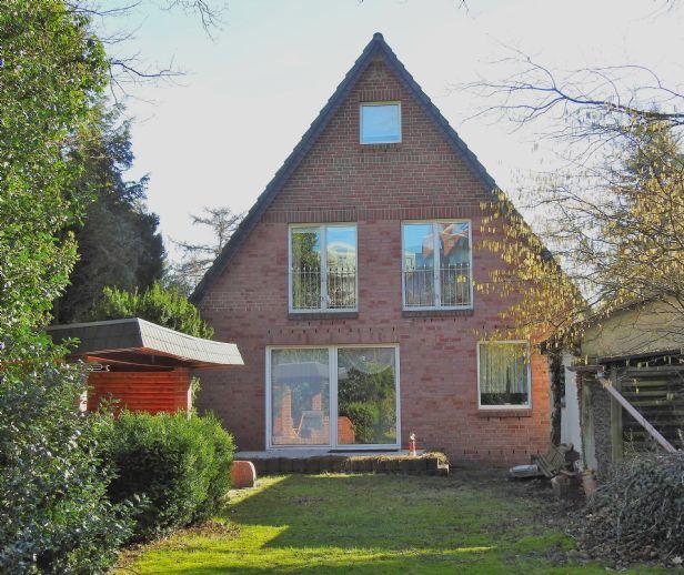 Zwei verbundene Einfamilienhäuser mitten in Norderstedt!