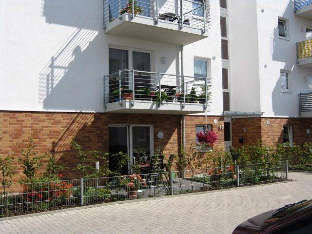 Moderne behindertengerechte Seniorenwohnung mit Garten zu vermieten!