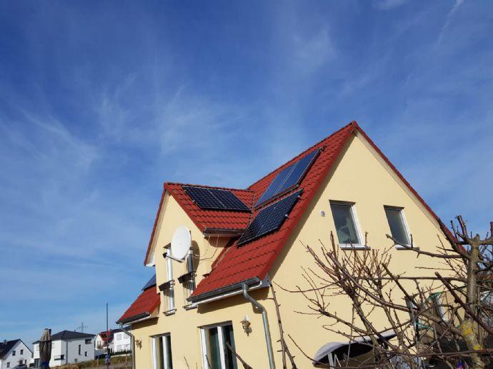 Schönes, junges Einfamilienhaus mit großzügigem Grundstück in Irsching