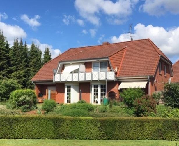 3 Zi.-Dachgeschoß-Wohnung mit Studio und schönem Südbalkon - ab 1.7. frei