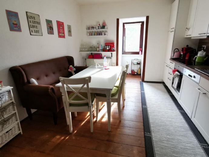 Top Lage Charmante 2,5-Zimmer-DG-Wohnung mit EBK in Hanau-Innenstadt beim Klinikum