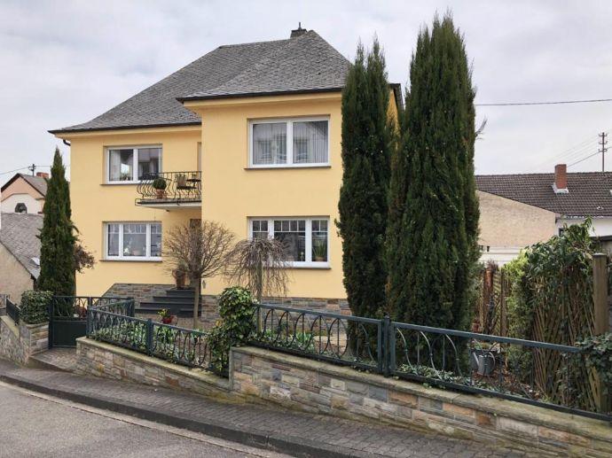 Außergewöhnlich in Qualität und Preis: TOP-Stadtvilla mit 280 m² Wohnfläche in Spitzenausstattung