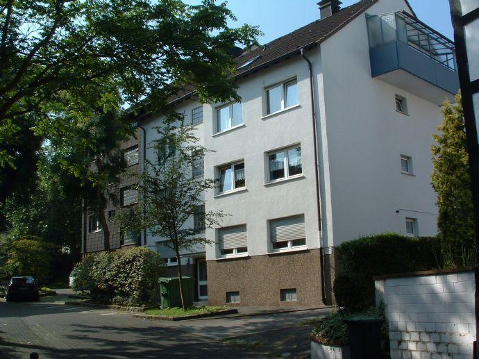 Schön aufgeteilte 2,5-Zimmer Wohnung Nähe Einkaufzentrum in Hagen-Eilpe mit überdachtem Balkon
