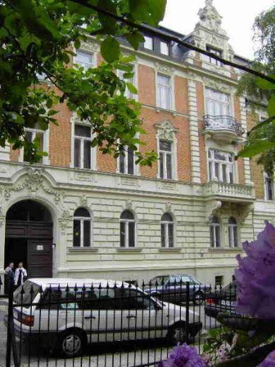 Super 2-Zi. mit Wintergarten in saniertem Gründerzeithaus