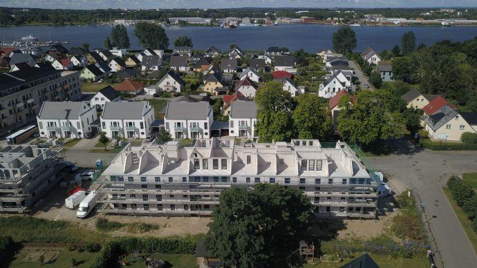 """Wohnen """"Zur Yachtwerft""""! Neubau! Exklusive 2-Raum-DG-WE mit Fußbodenhzg.,Fahrstuhl und Dachterrasse"""