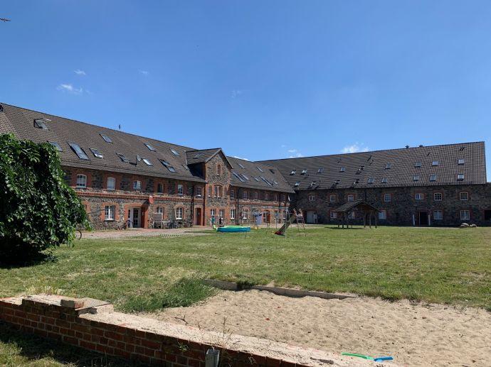 sanierte Wohnanlage mit Potenzial & möglicher Investition einer großen Photovoltaikanlage - Nähe Magdeburg!