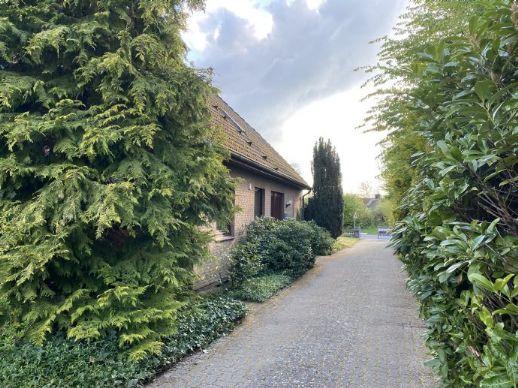 ***FamilienWohlFühlHaus+Einliegerwohnung - toller Garten mit super Weitsicht ins Grüne ***
