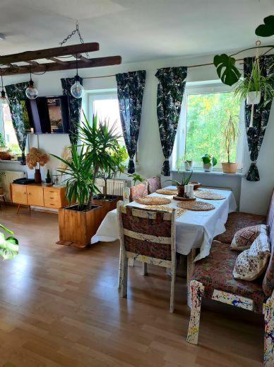 4-Zimmer-Wohnung, 96m², mit Einbauküche, zwei Balkone, Garage