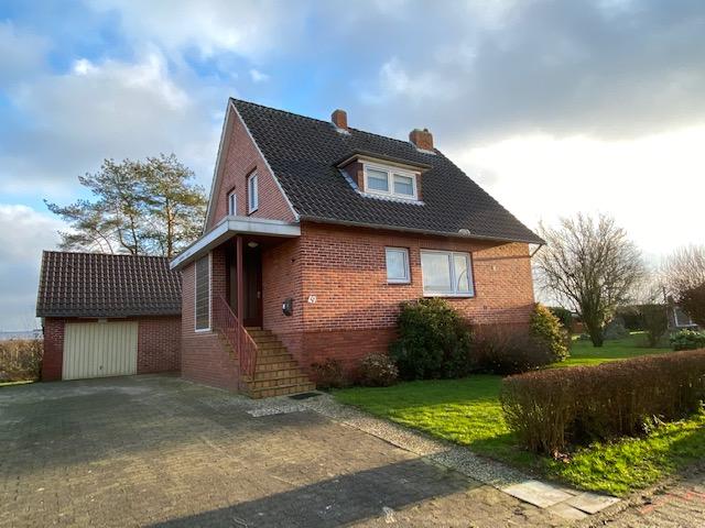 Drochtersen: Einfamilienhaus mit großem Grundstück in ruhiger Lage