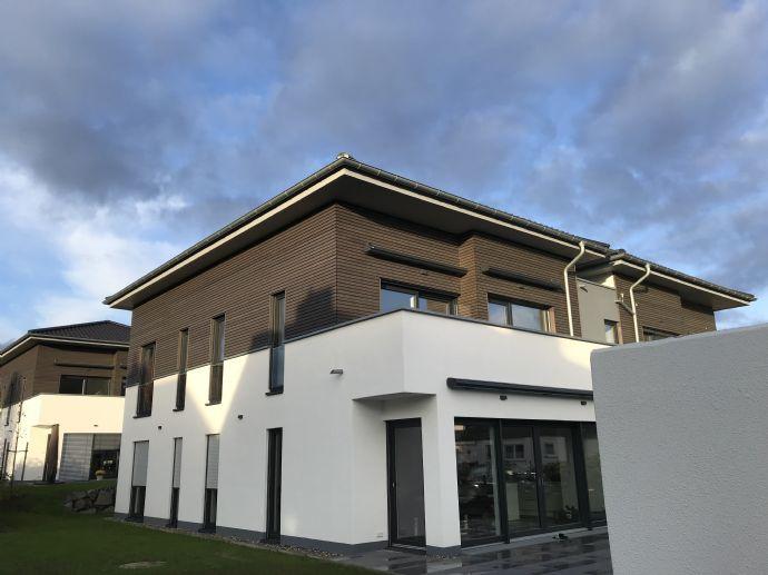 Baunatal, 5-Zimmer-Wohnung 1. OG plus ausgebautes DG (Maisonette)