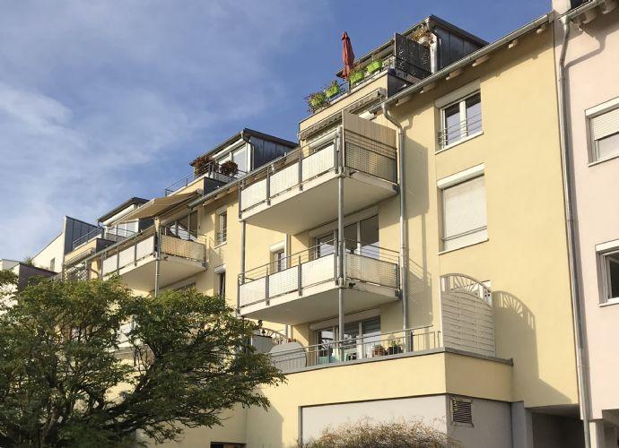Schöne 2 Zimmer Wohnung in TOP Lage in Freiburg - Zähringen