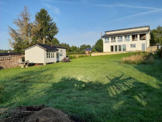 Wunderschönes lichtdurchflutetes EFH m. Einliegerwohnung, insg. 270 m² Wfl.und 1.250 m² Grst.