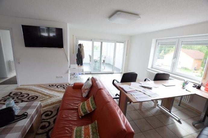 Modernes Gewerbehaus mit Inhaberwohnung in zentraler Lage von Stockach zu verkaufen.