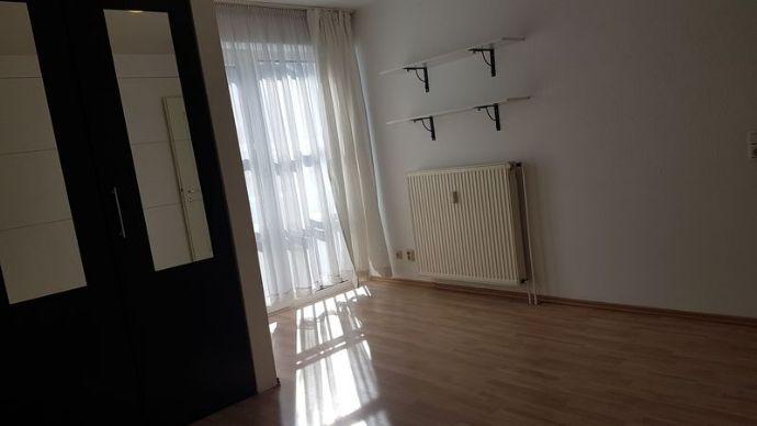 Helles, teilmöbliertes Apartment (20 qm) in Uni- und Stadtzentrum-Nähe mit eigener Küche und Bade