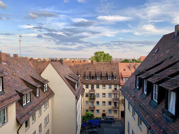 Möblierte Wohnung direkt unterhalb der Burg in City-Lage