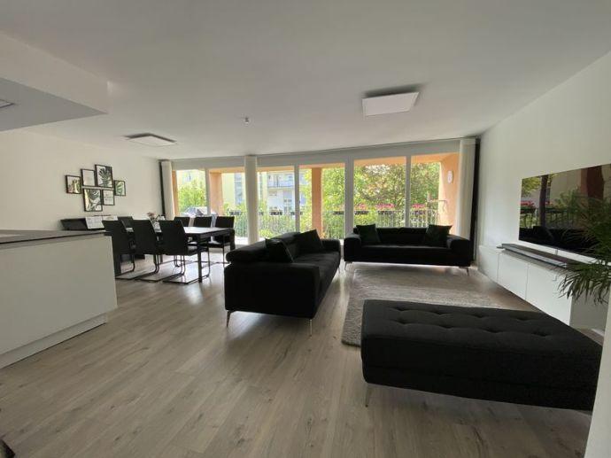 Stilvolle, vollständig renovierte 4-Zimmer-Wohnung mit Balkon und Einbauküche in Ostfildern