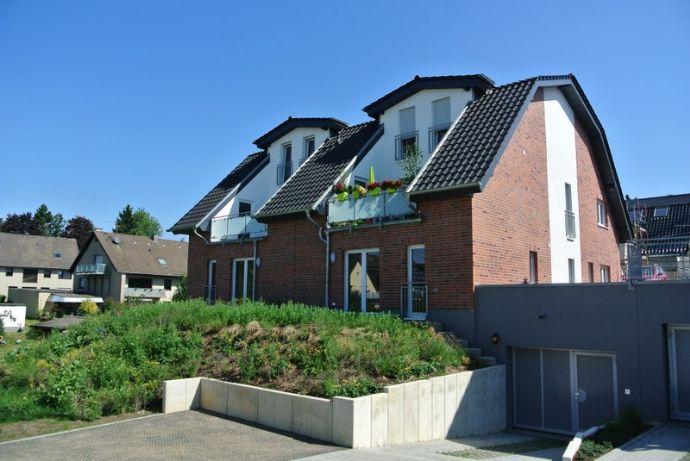 ** Neubau Erstbezug, komfortable 4 Zi-Wohnung in Kürten Bechen, Obstwiese**