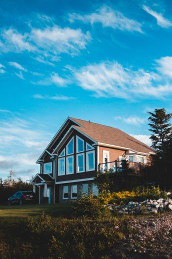 Freistehendes Einfamilienhaus mit Doppelgarage & Einliegerwohnung