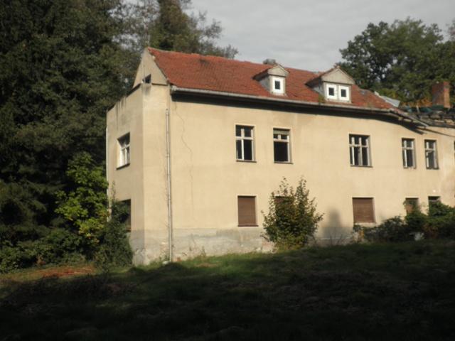 Romantisches und verträumtes Anwesen zum Sanieren am Zufluß zum Klostersee