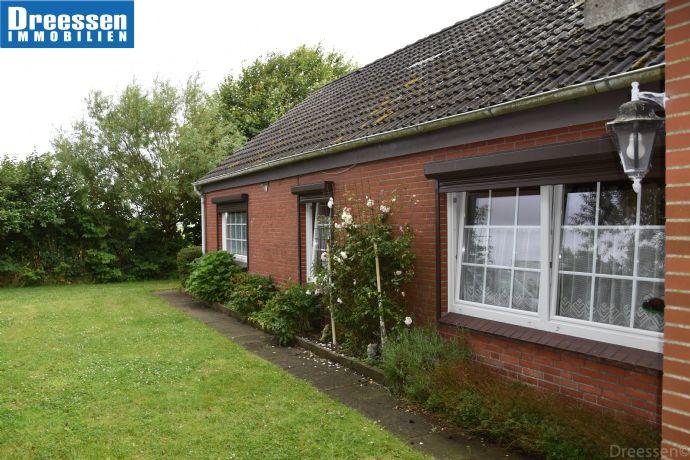 Nordermeldorf: Einfamilienhaus mit gepflegtem Garten, Terrassen und großem Bodenraum