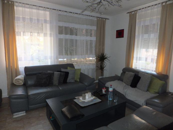 Tolles Wohnhaus! Mit 4 Wohnungen in ruhiger Wohnlage von Pforzheim-Dillweißenstein