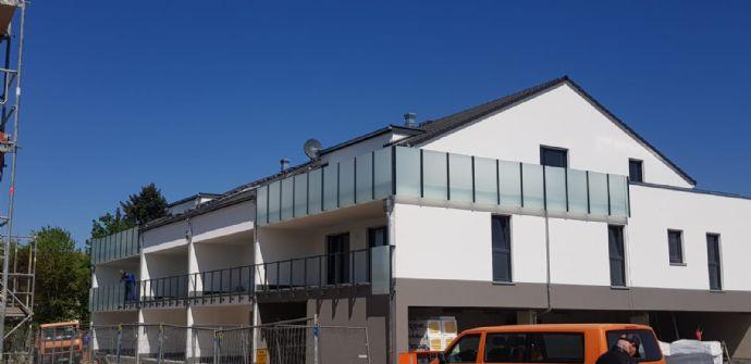 4 Zimmer Penthouse Wohnung Neubau in einem schicken 10 Familienhaus !