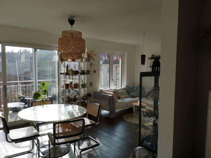 Wunderschöne 3-Zimmer-Wohnung! Mit 4 Balkonen!