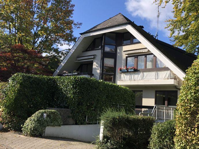 HAMBURG-NIENSTEDTEN Gepflegte 2 5-Zimmer-Erdgeschoss-Wohnung mit