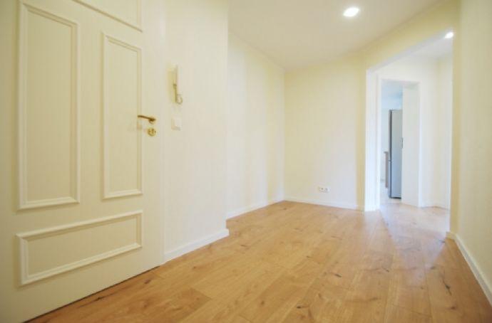 Bezug nach hochwertiger Sanierung Anfang 2019 * Einbauküche * 2-Raum-Wohnung * ruhige Lage