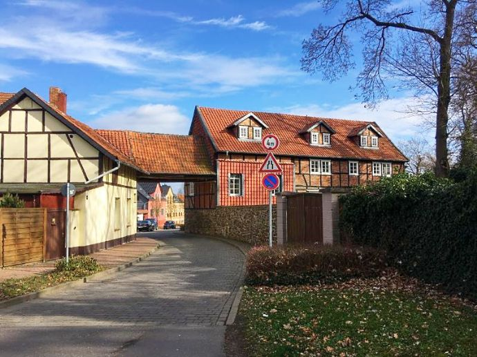 Attraktives Mehrfamilienhaus am historischen Waldtor - Baudenkmal in Haldensleben